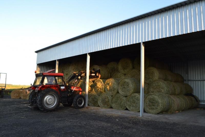 Zobacz zdjęcie, fotkę, obrazek, photo - Wiata Na siano • Forum Profesjonalnego Rolnika - Forum rolnicze i Galeria Rolnicza Dla Profesjonalistów